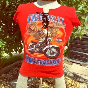 Harley Davidson short sleeves red T-shirt. 🌺